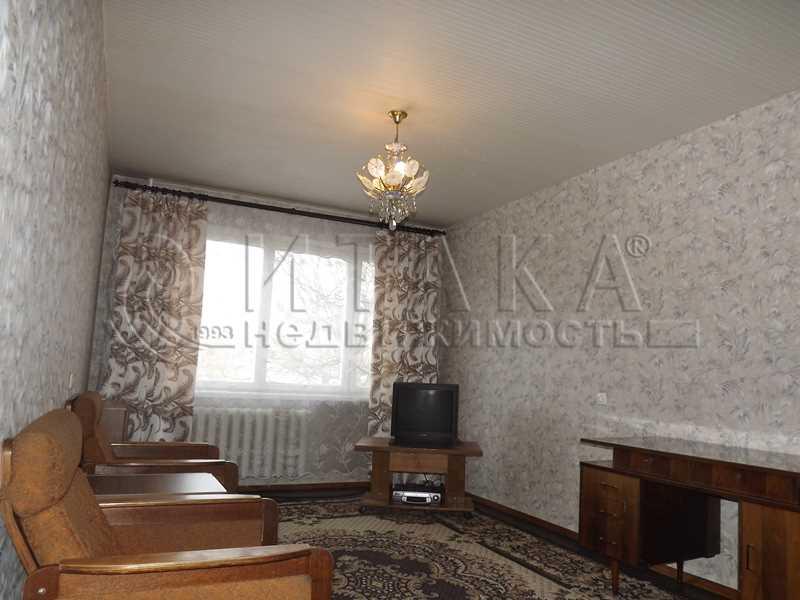 Продается трехкомнатная квартира за 3 300 000 рублей. Луга, Красной Артиллерии ул., д. 26.